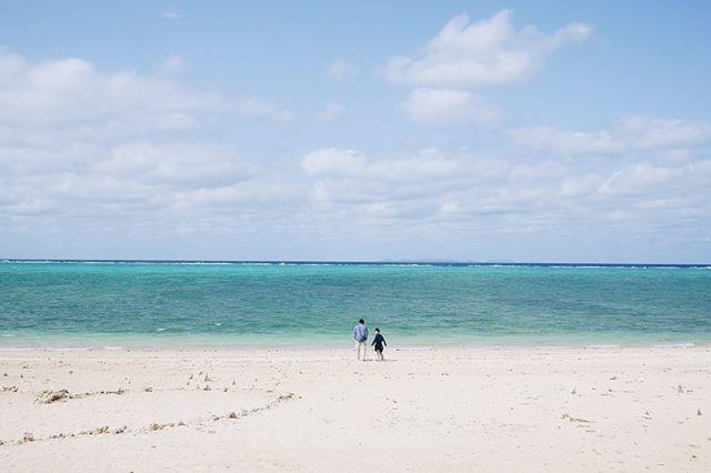 ·☁️🌞· O K I N A W A · 望下個天 咁好天 去下海邊 因為到你大個就會忘記乜嘢係大自然 #likefatherlikeson