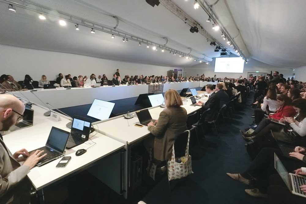 5.DOMI綠然-Blog_我的COP23初體驗_談判會議.jpg