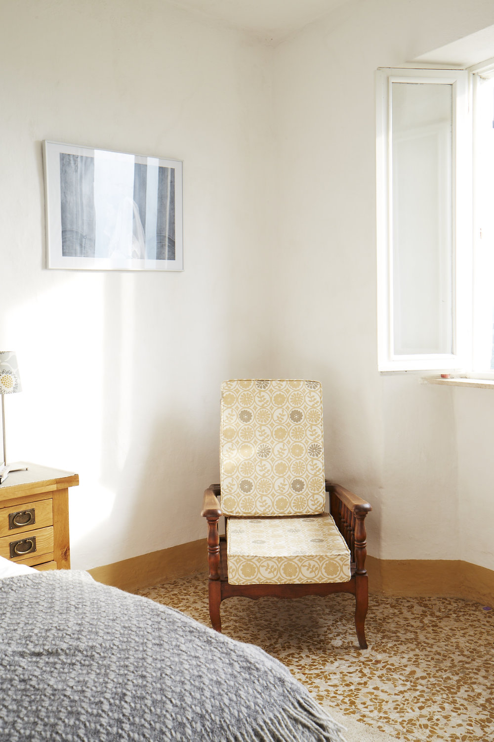 Bedrooms - In total there are 4 double rooms (3 upstairs, 1 down), 2 twins and a single attic room. Ideal for large families of groups of friends. (max. 12 people)
