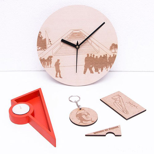 Circular+Engraved+Clocks+(2).jpg