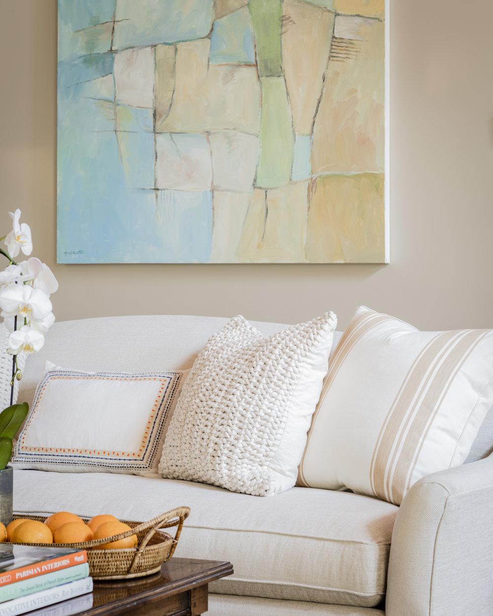 DiNovi_PoolHouse_Livingroom_Sofa.jpg