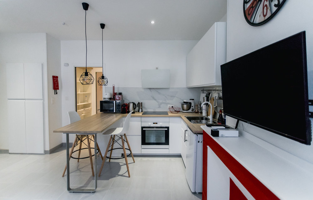Geoffrey-Lucas-comissions-rent-home-toulouse.jpg