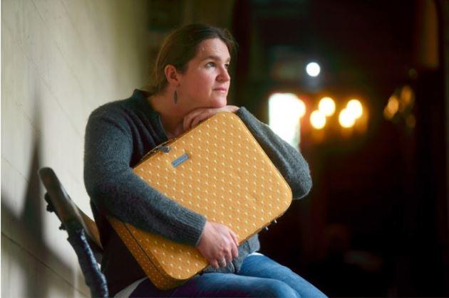 HLN - Christine verloor haar zoontje, deze koffer bewaart de herinneringen voor broertje Nand