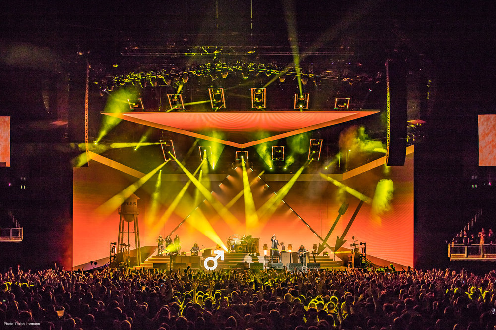 0163_LR-Final-Selection_THE-KILLERS-live-O2-London-2017-11-28_Photo-Ralph-Larmann_IMG_1112.jpg