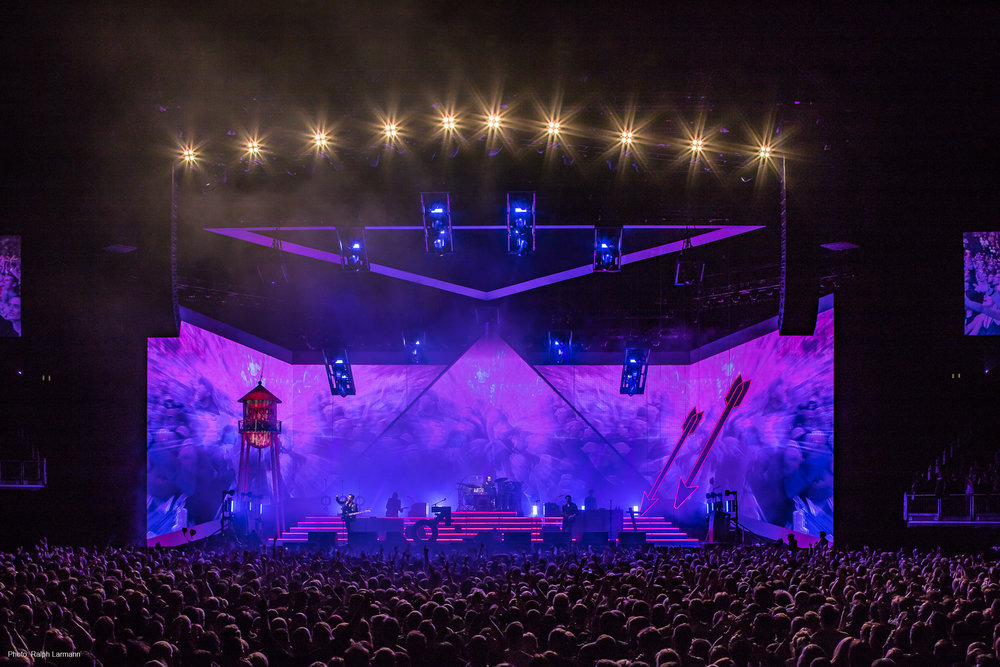 0215_LR-Final-Selection_THE-KILLERS-live-O2-London-2017-11-28_Photo-Ralph-Larmann_IMG_1455.jpg