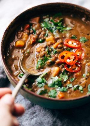 moroccan lentil soup - littlespicejar.com