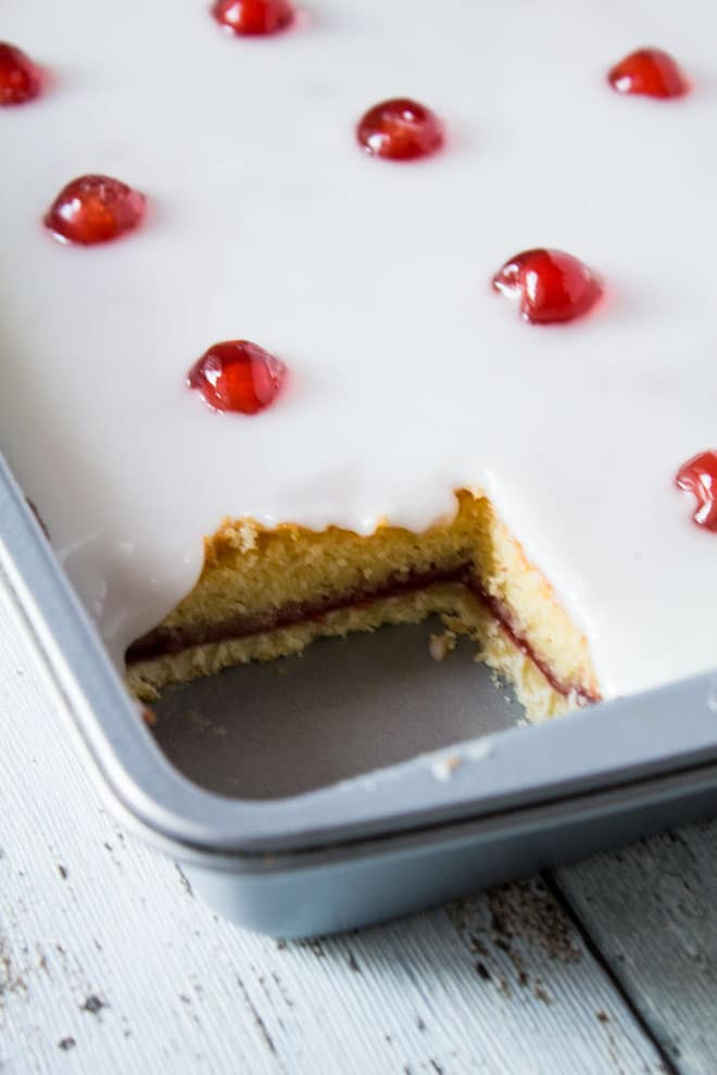 bakewell tart tray bake - marshasbakingaddiction.com