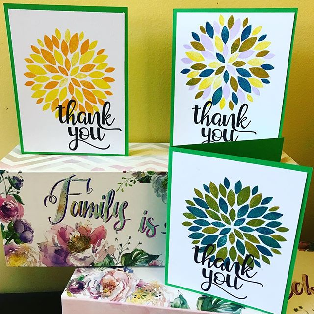 Needed to get thank you cards out and I think I finally got the hang of this.  Gotta love this BIG GREETING too lol.  #turnaboutstamps  #concordand9th #eviedoesit #customerappreciation #handmade #greetingcards #smallbusiness #averyelle #papercrafts #dahlia