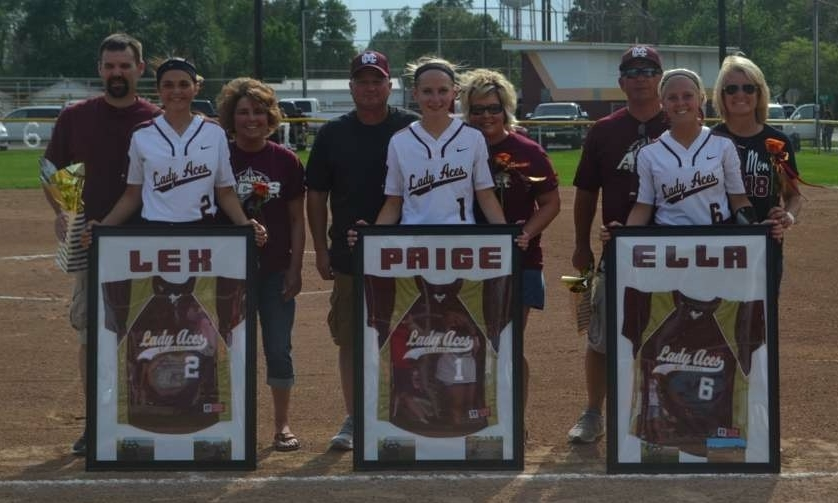 Seniors Lexie Simmons, Paige Hocking, & Ella Banks.
