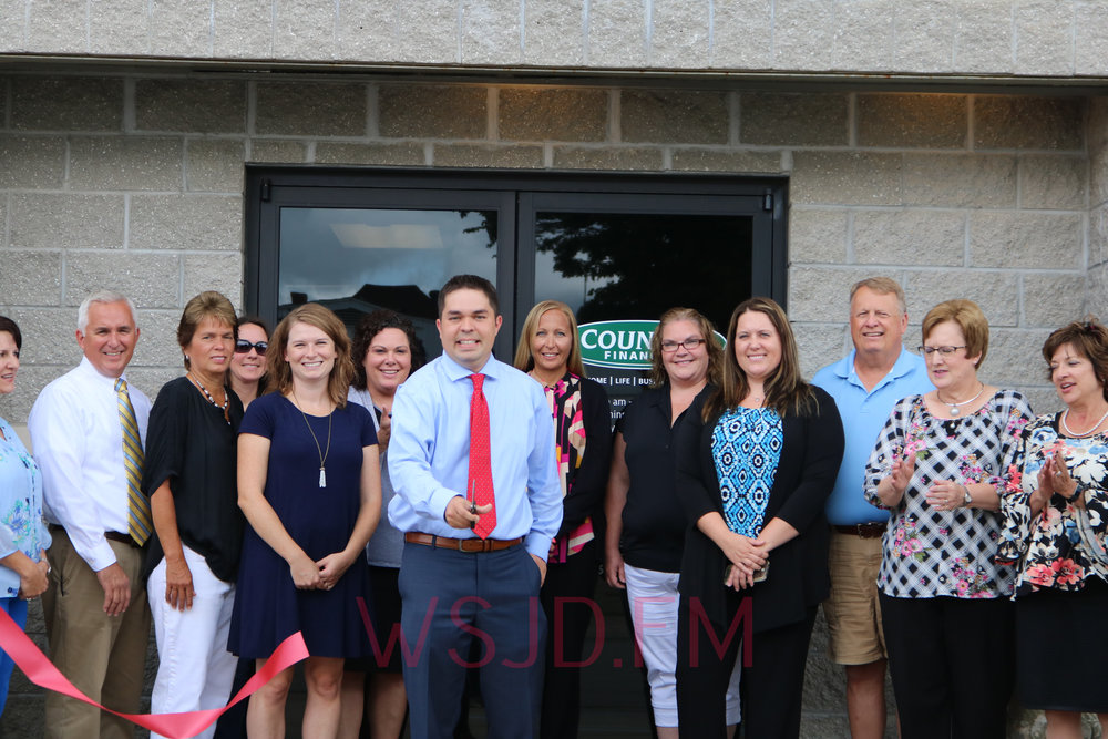 ribbon cutting held for new country financial representative
