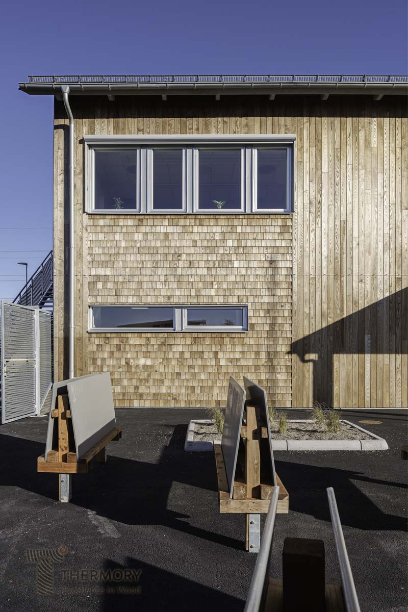 Thermory Ash Cladding_Shingles_Sweden (10).jpg