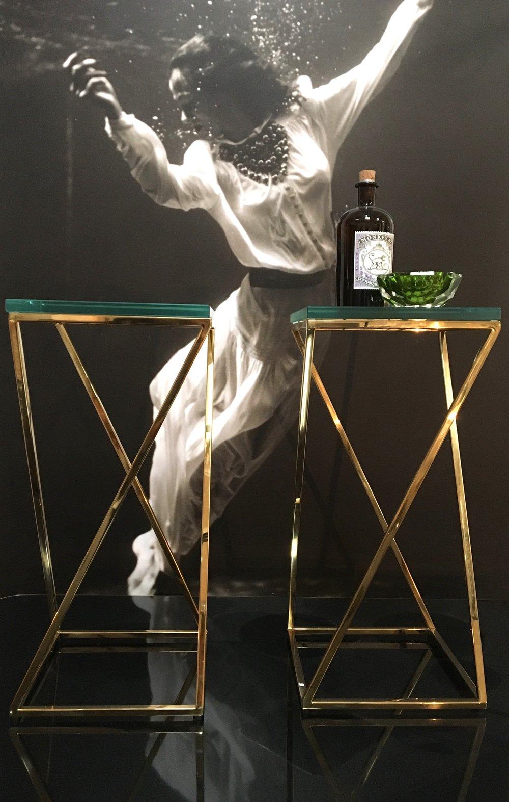 Mesa latón y cristal