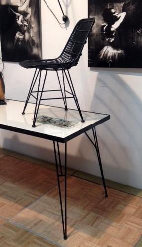 Colección+Lucas+estructura+negra+sobre+formica+blanco+(2).jpg