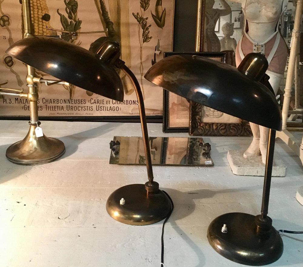 Lámparas sobremesa latón oficina