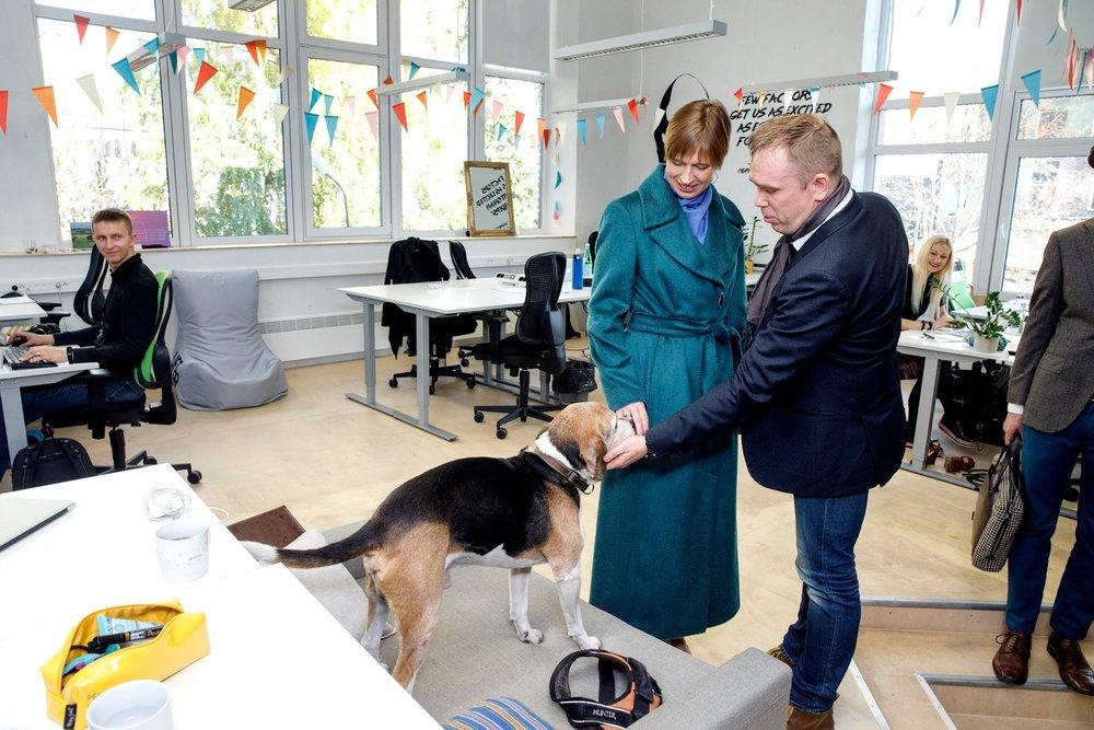 Estonian president meets startup dog Riki