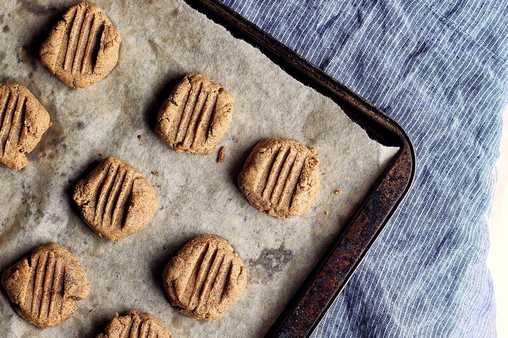 flourless peanut butter cookies keto 3.jpg