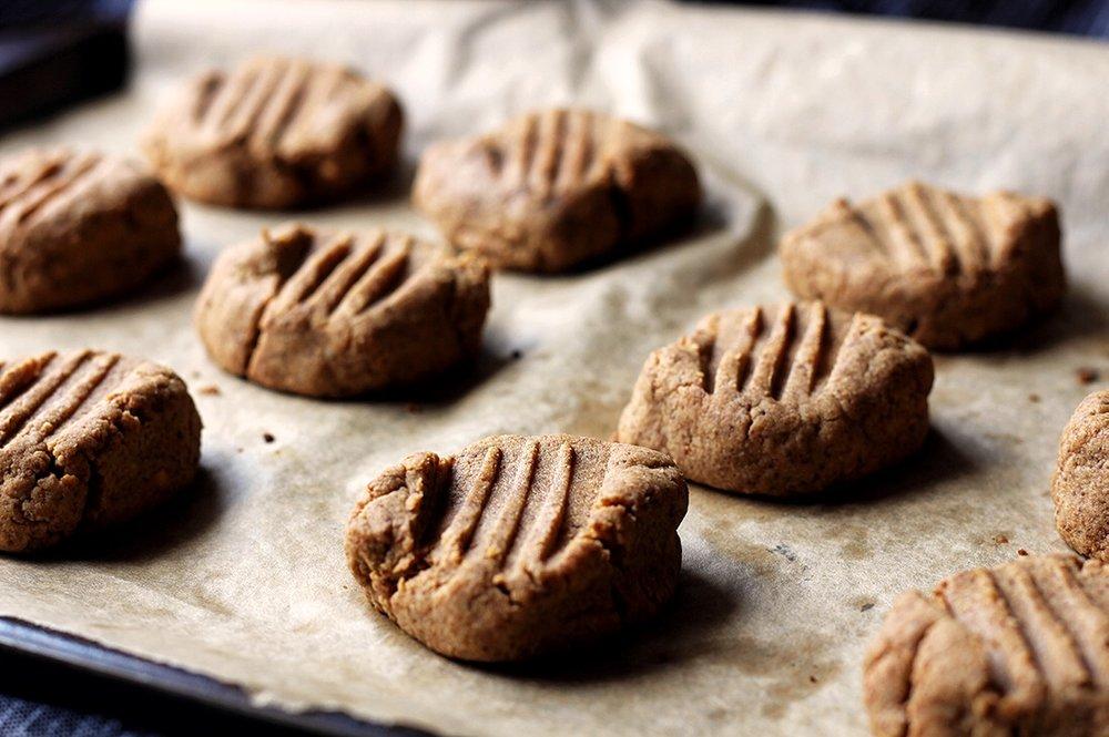 flourless peanut butter cookies keto 2.jpg