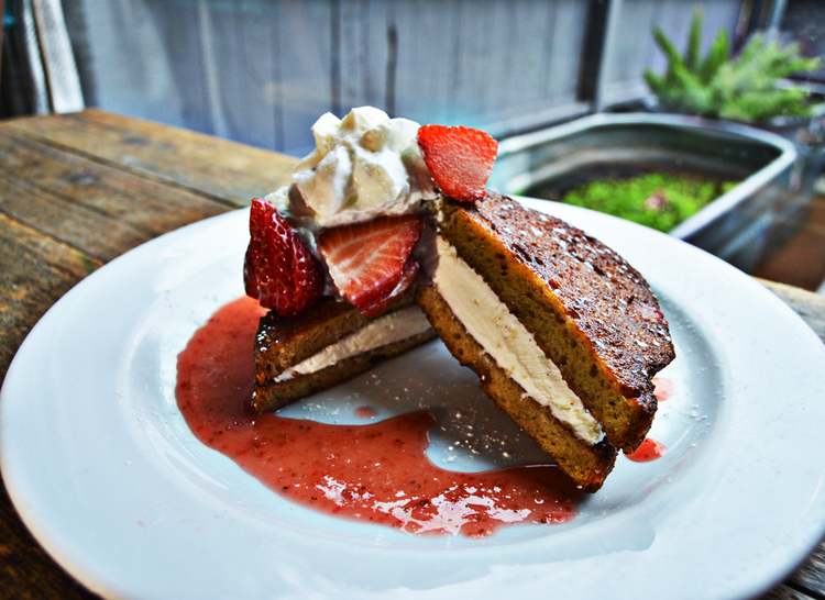 Stuffed-French-Toast-Company-Cafe01bright.png