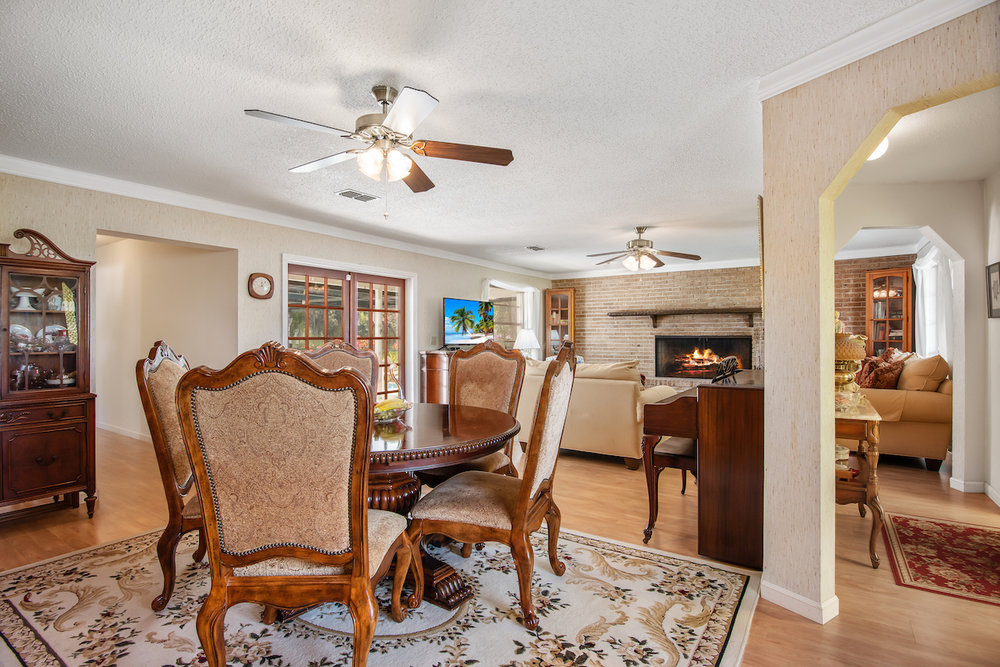 606 Dunbarton Circle NE Palm Bay, FL 32905. Living Room. For Sale by Brent Burns.