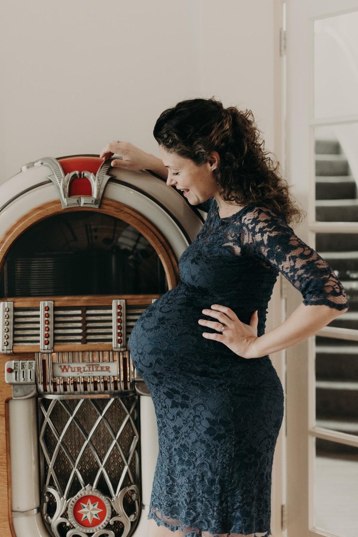 Den Haag Maternity Photoshoot