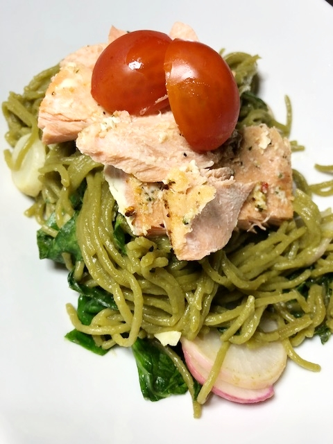 salmon spinach noodles 2.jpg