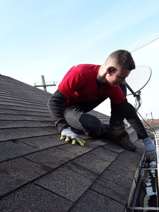Gutter+Cleaning+Chicago-Gutter+Cleaners-+Gutter+Cleaning.jpg