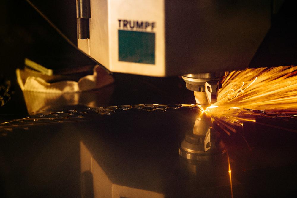 Every parts are made by laser cutting.  Minden rész lézervágással készül.