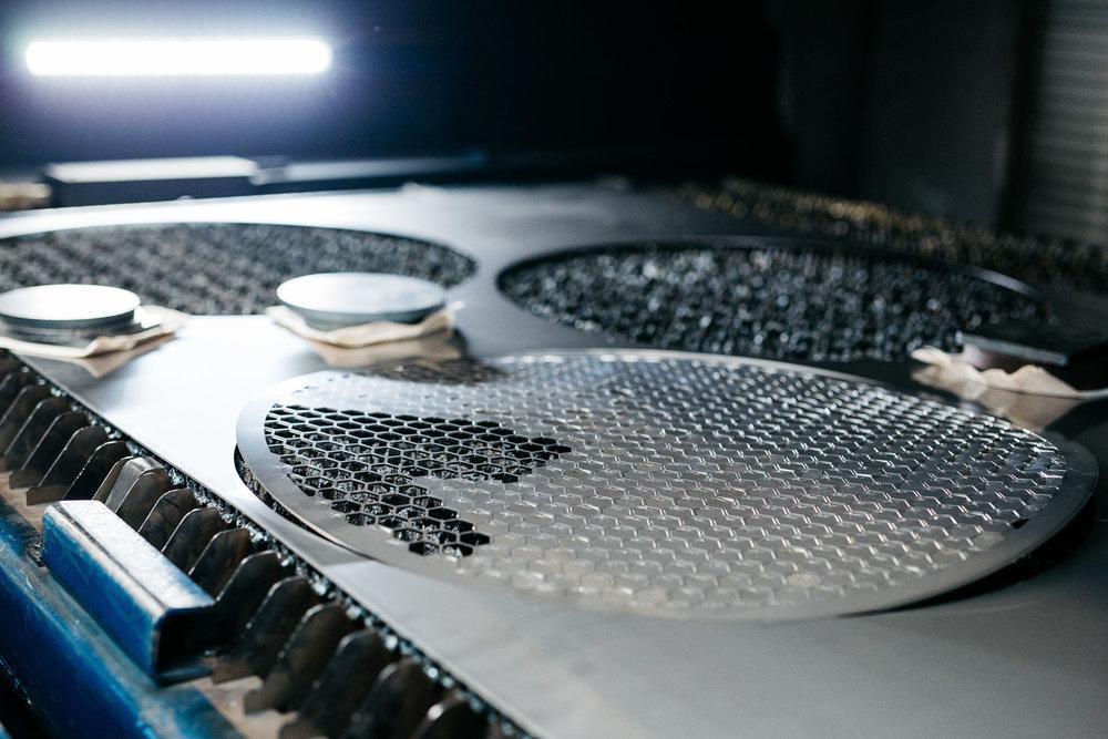 Laser cutter machine. - Lézervágógép.