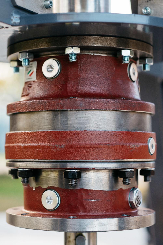 ….A bolygómű, amely rotor fordulatszámát többszörözi meg. ..Gear change that multiplies the rotary speed….