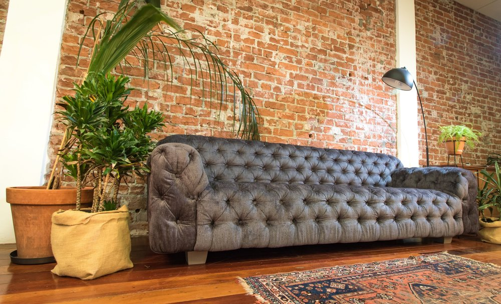 2.8m Chesterfield couch with greywash Oak feet