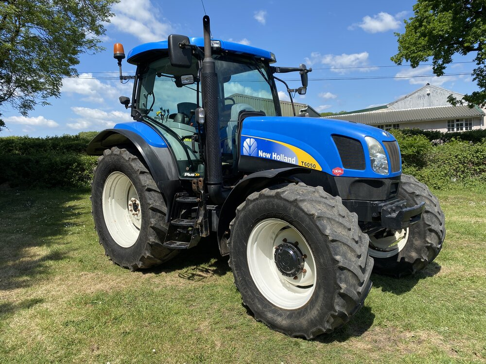 <p><strong>Used Tractors</strong><i>>></i></p>
