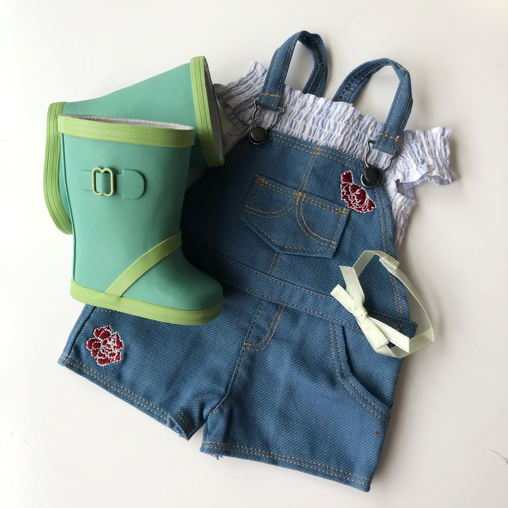 Blaire's Gardening Outfit $32