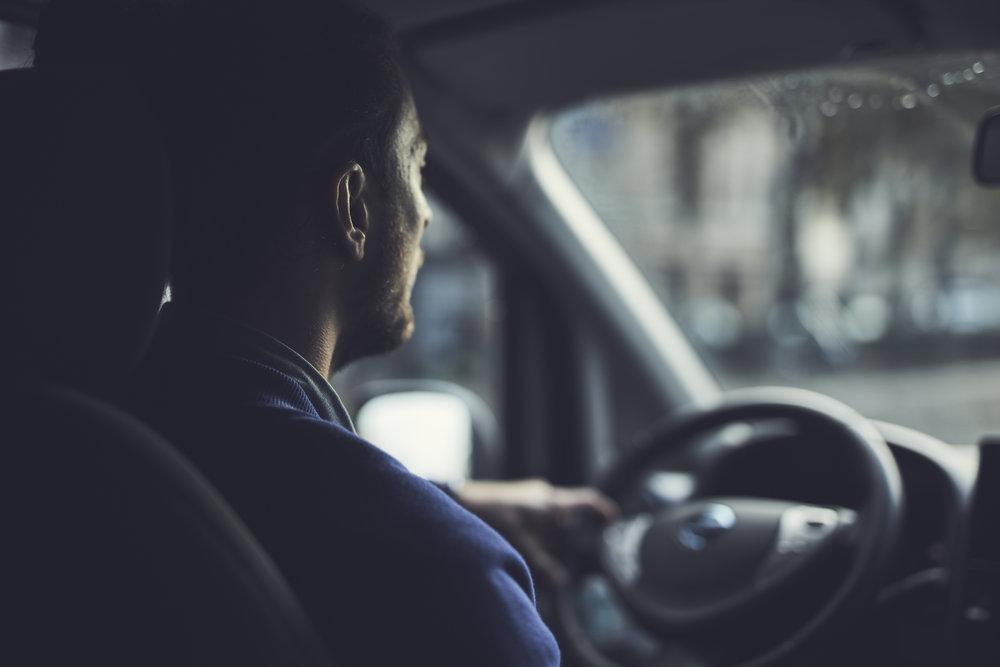 1ère plateforme créée par des chauffeurs - Les 3 co-fondateurs sont aussi les 3 premiers chauffeurs de la plateforme, et sont très proches de leur équipe de drivers et en contact permanent avec eux pour leur apporter un maximum de chiffre d'affaires( via l'application ou l'évenementiel ).