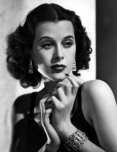 Hedy Lamarr, the most beautiful woman in the world and the inventor of modern-day WiFi technolodies