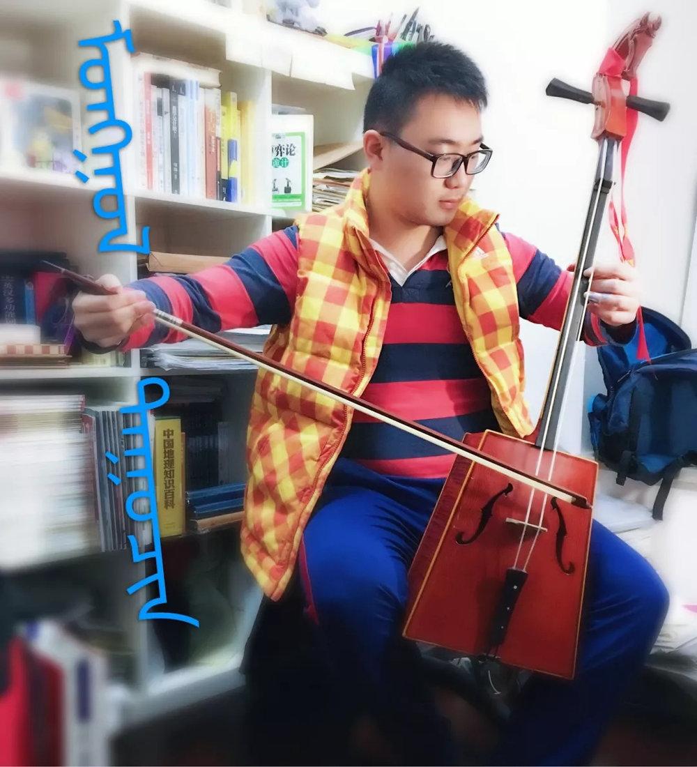 对我来说    音乐是生命中不可或缺的元素    民族音乐是民族历史的结晶    追根溯源,品味古老音符的全新魅力