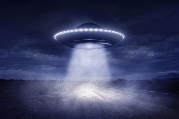 ufo-3-1042608.jpg