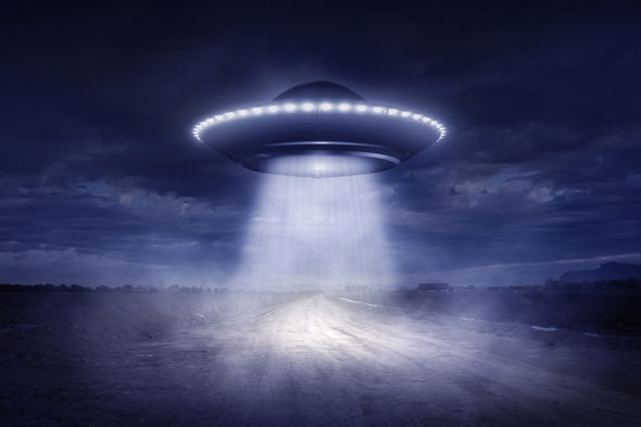 HOW WOULD HUMANS REACT TO ALIEN LIFE?