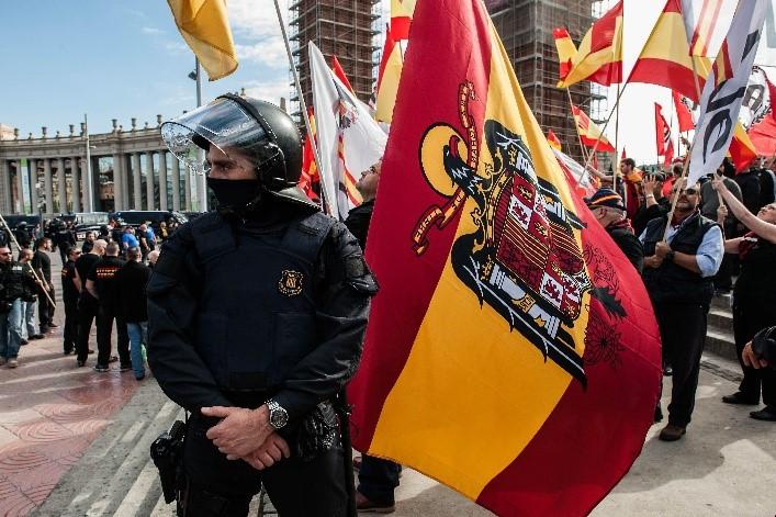 LA DROGA EN ESPAÑA    En un área donde el desempleo juvenil es tan alto como 80%, la trata ofrece a los jóvenes la oportunidad para ganar miles de euros por día...   Por Timi Obatusin