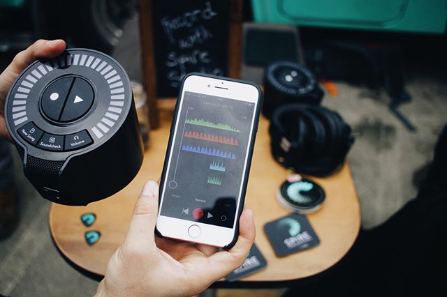 @MadeWithSpire makes recording on the go simple. Come check out IZotope's new wireless recorder and more now at @CheerUpCharlies for Lost Weekend 2. 🎙️✨
