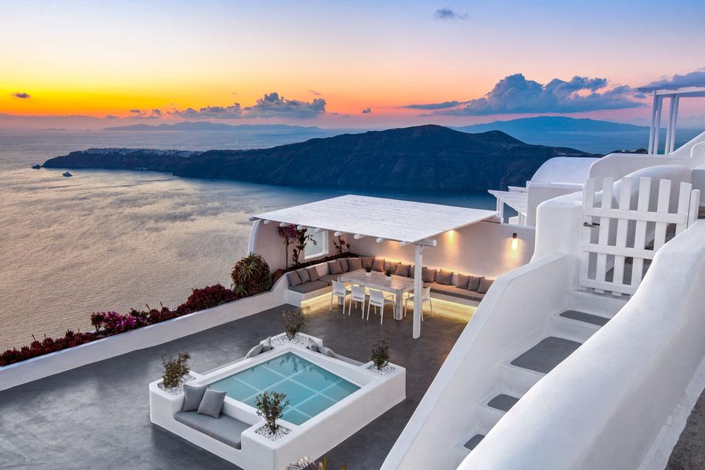 Villa Erossea at dusk from above.jpg