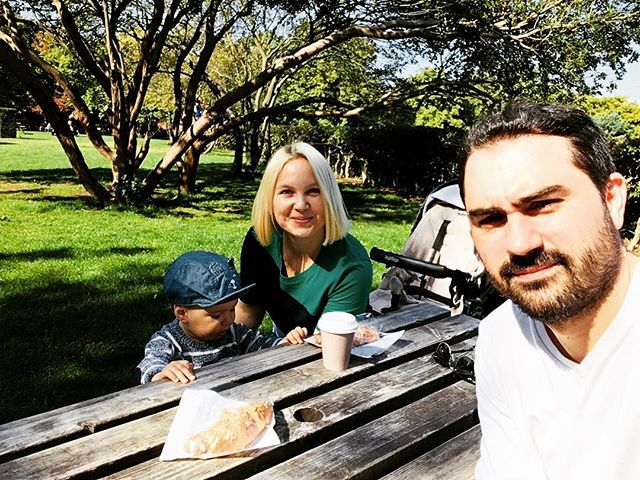It was my turn to sleep in today.. 😍 💪 for those who don't have babies yet, it's the same as getting a paid day off because your boss thinks you deserve it. 😂🤘 #breakfastgoals #saturdayvibes #greenwichpark #topoftheworld #sleptin #familytime #coffee #parenting