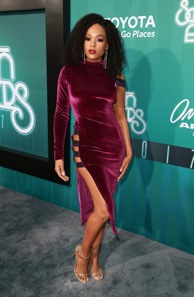 DEMETRIA McKINNY 2017 SOUL TRAIN AWARDS RED CARPET.jpg