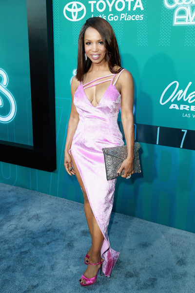 ELISE NEAL 2017 SOUL TRAIN AWARDS RED CARPET.jpg