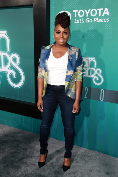 LEDISI 2017 SOUL TRAIN AWARDS RED CARPET.jpg