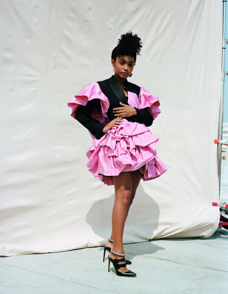 ELLE UK NOVEMBER 2018 ISSUE YARA SHAHIDI PINK AND BLACK.jpeg