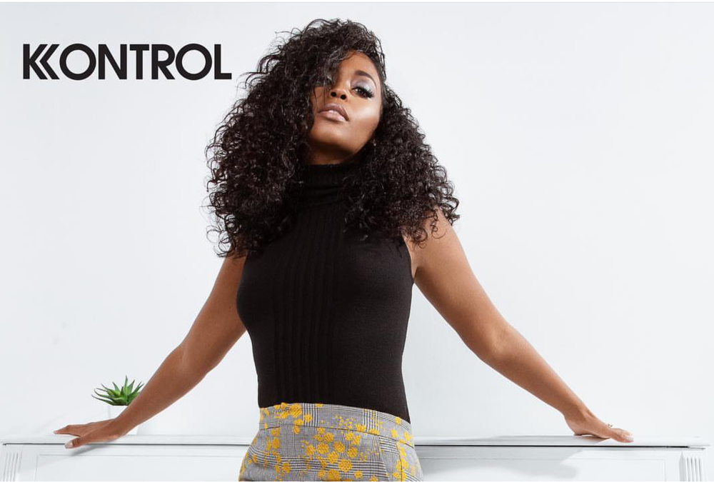 KONTROL MAGAZINE REBIRTH ISSUE 2018 NAFESSA WILLIAMS PIANO 2.png