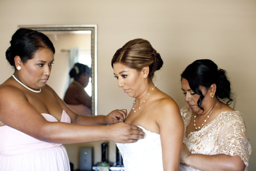 bridegettingreadysouthbaywedding
