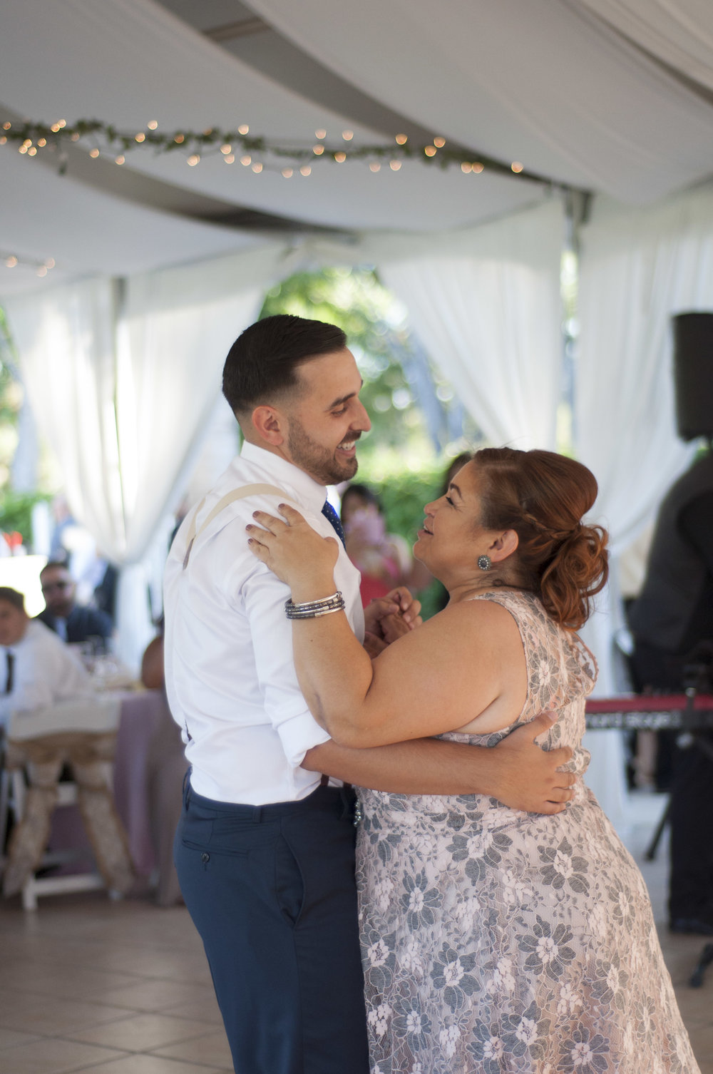 mothersondanceatwedding