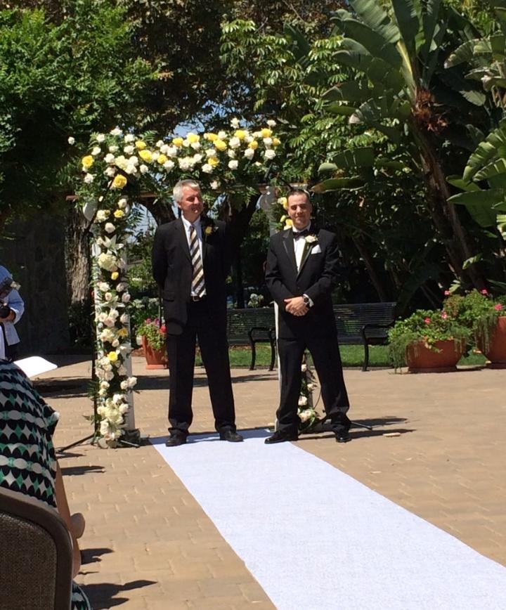groomwaitingforbrideatparamountwedding