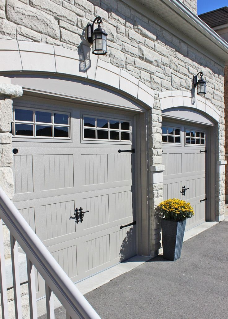 38110b6e8742dea7579ed9d3f624a9de--carriage-style-garage-doors-wood-garage-doors.jpg